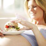 Alimentation femme enceinte : 11 règles de nutrition à suivre scrupuleusement durant la grossesse