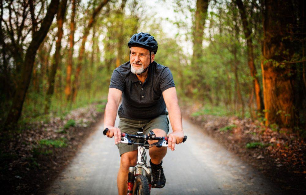 Le vélo, une activité physique idéale pour les personnes atteintes d'arthrose ?